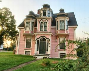 Pink Lunenberg house