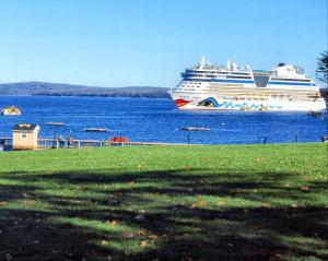 Cruise ship Bar Harbour